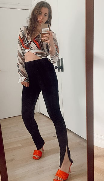 abstract print blouse with split ankle leggings